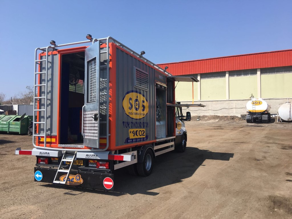 Alura mobile workshop truck